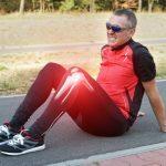 Läufer mit Knieschmerzen durch Arthrose